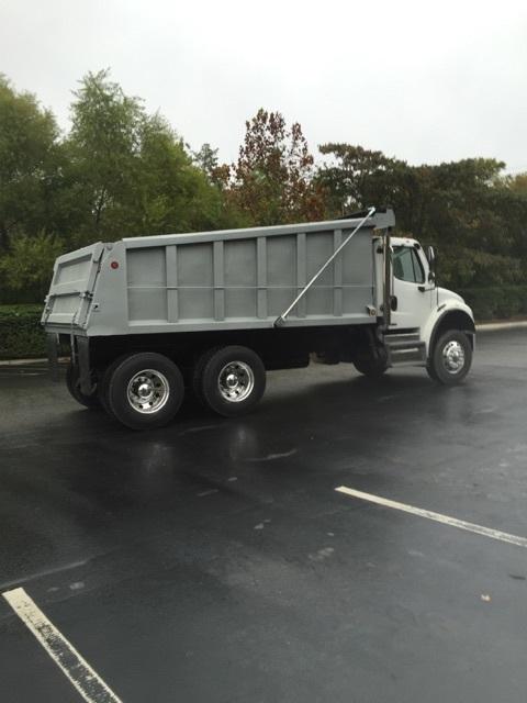 2009 Freightliner Business Class M2  Dump Truck