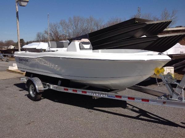 2016 Clearwater 1900 center console