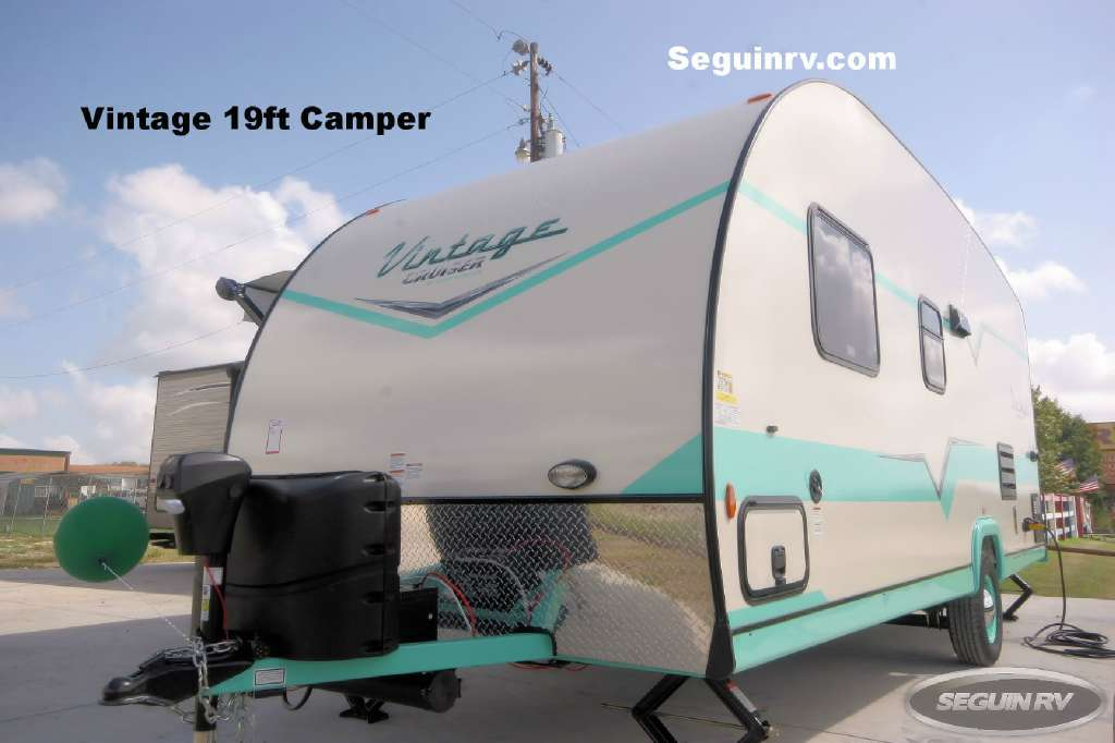 2017 Gulf Stream Vista Cruiser 19 RBS
