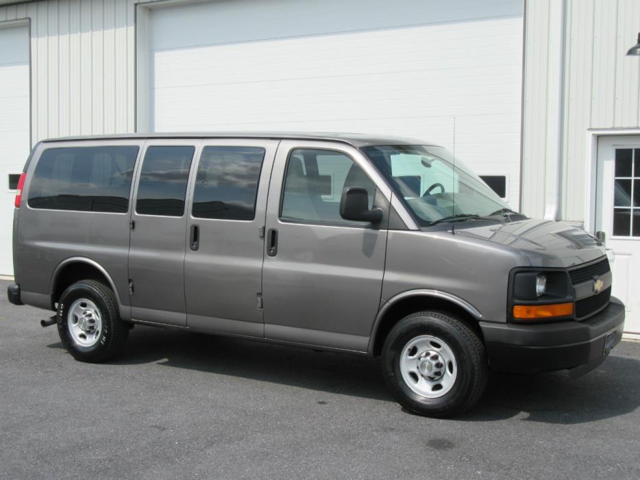 2011 Chevrolet Express G2500 Passenger Van