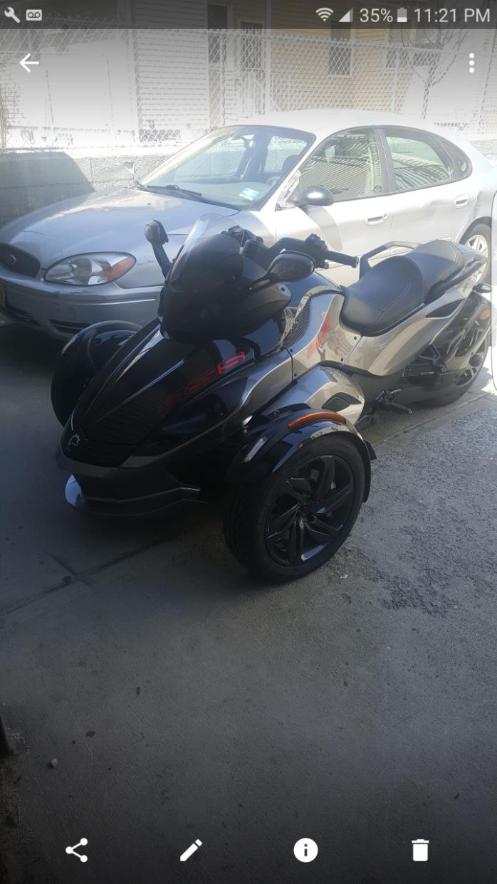 2012 Can-Am SPYDER RT SE5