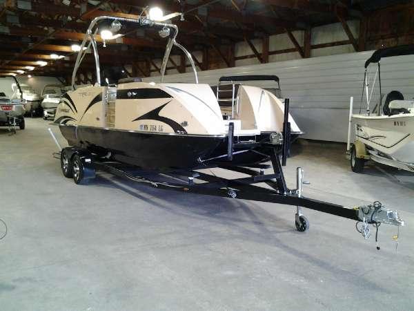 Caravelle Razor Boats For Sale