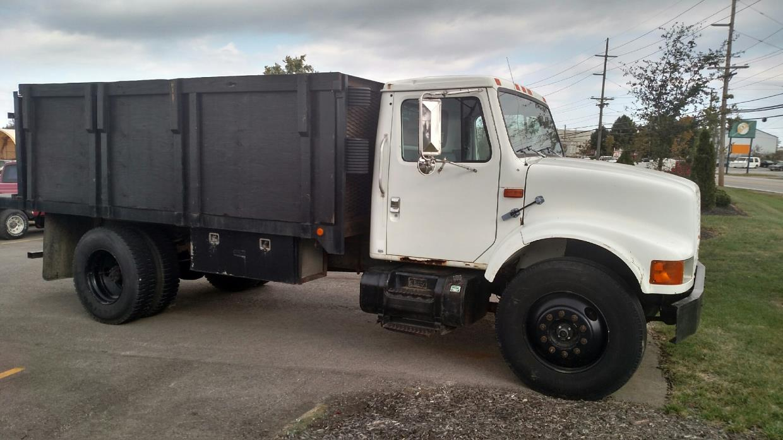 1997 International 4900  Flatbed Truck