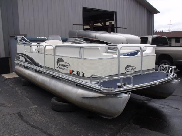 pontoon boats for sale in wisconsin rapids wisconsin. Black Bedroom Furniture Sets. Home Design Ideas