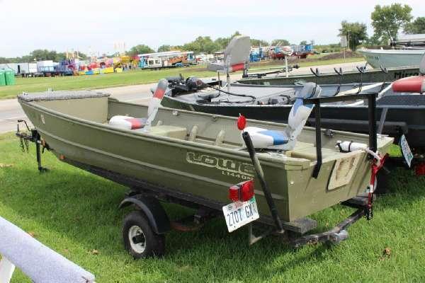 2004 Lowe L1440M