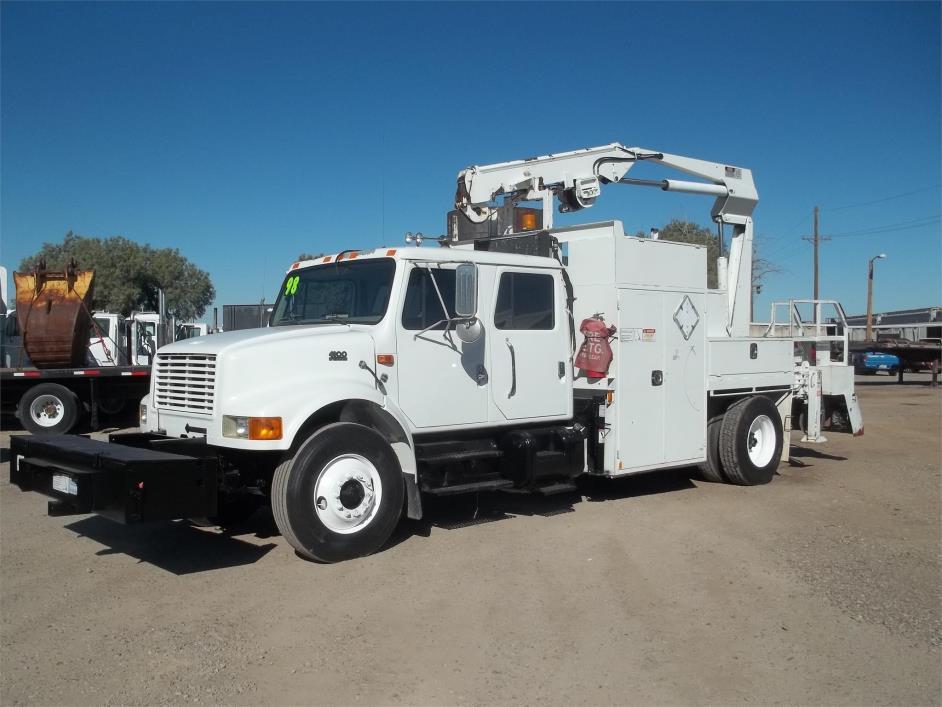 1999 International 4900  Utility Truck - Service Truck