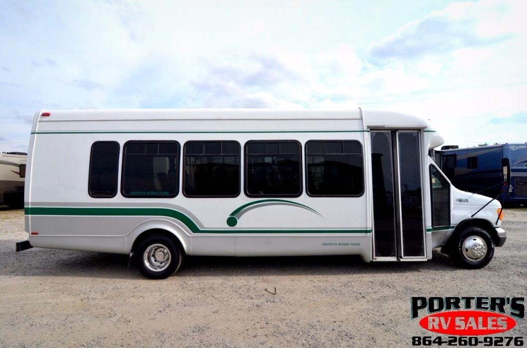 2005 Ford Econoline E-450 Shuttle Bus