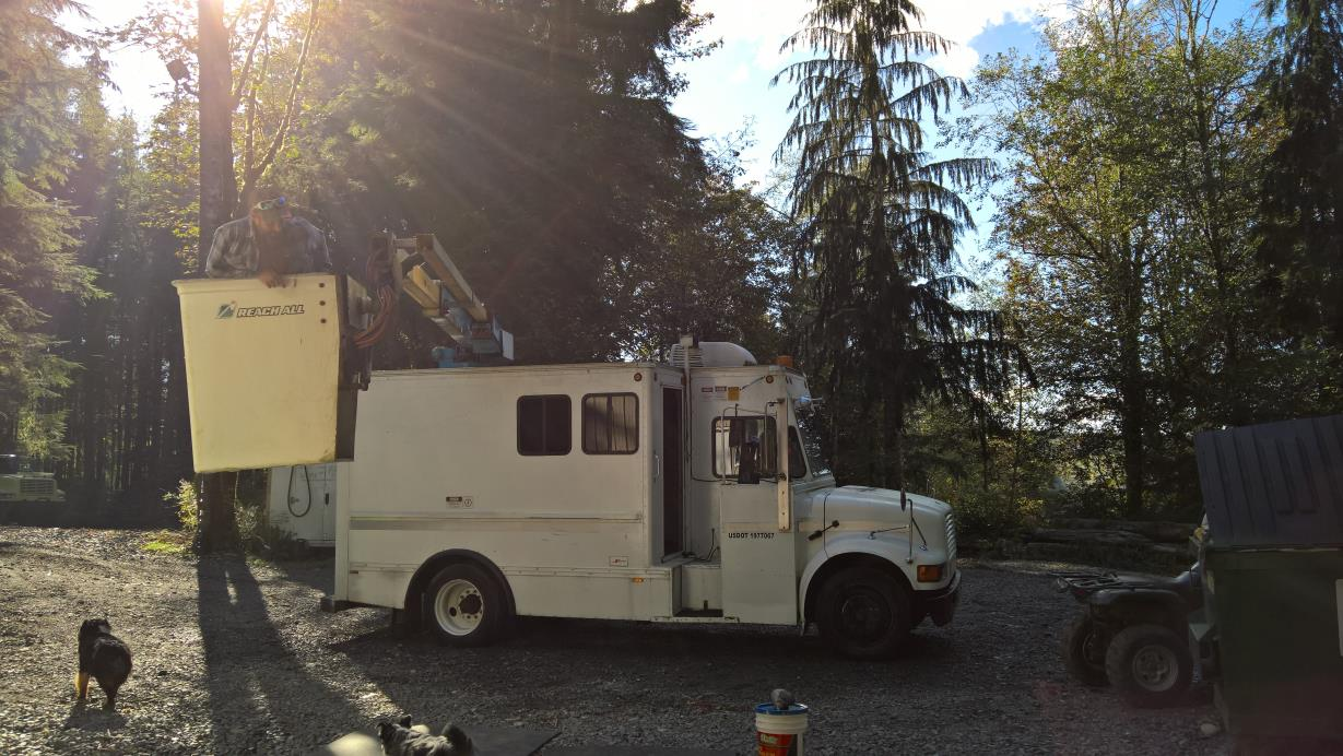 1992 International 4700 Low Profile Bucket Truck - Boom Truck