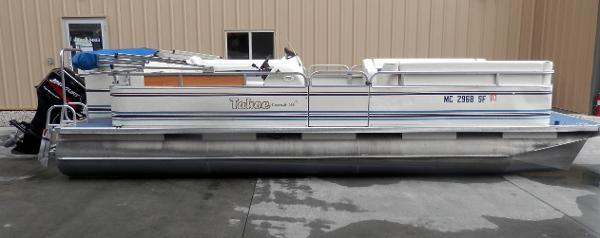 2002 Tahoe Pontoon SE 22