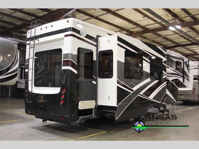 2017 DRV LUXURY SUITES Mobile Suites 38 RSSA