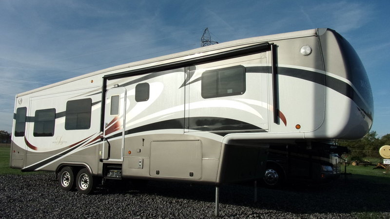 2014 DRV Mobile Suites 36TKSB4
