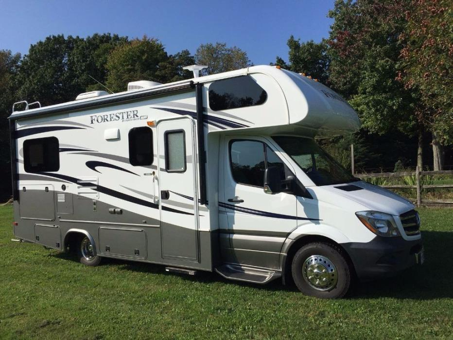 2015 Forest River FORESTER 2401S