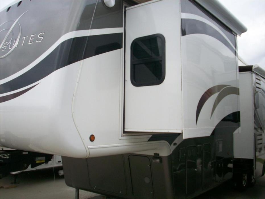 2011 DRV SUITES MOBILE SUITES 32RS