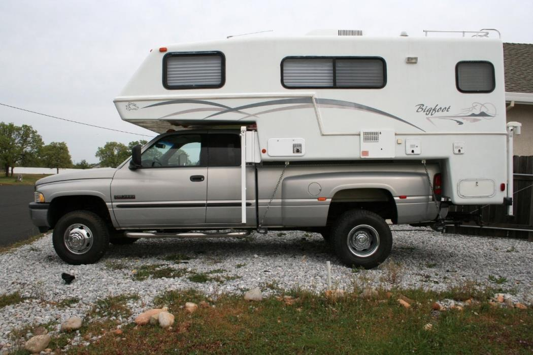 Bigfoot 25c10 6e rvs for sale 2000 bigfoot 2500 series 25c106e publicscrutiny Choice Image