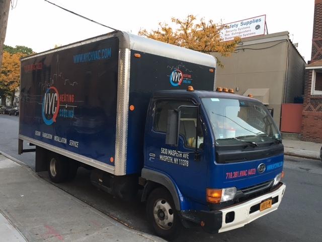 2000 Ud Trucks 1400  Box Truck - Straight Truck
