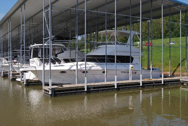 Motor yachts for sale in somerset kentucky for Somerset motors somerset ky