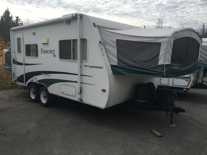 2005 Fleetwood Resort TNT 20CK