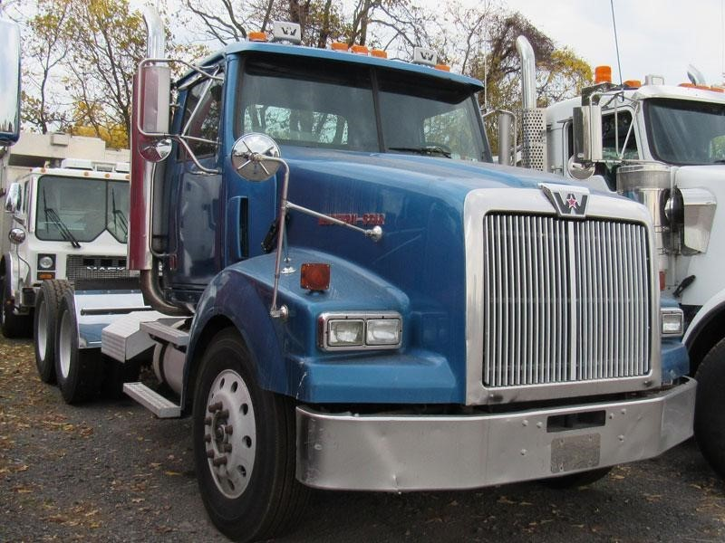 2005 Western Star 4900sa Conventional - Day Cab