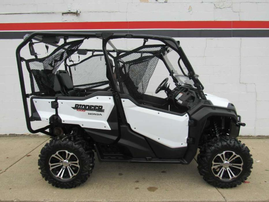 Honda Pioneer 1000 5 Deluxe White Sxs1000m5d Vehicles For Sale