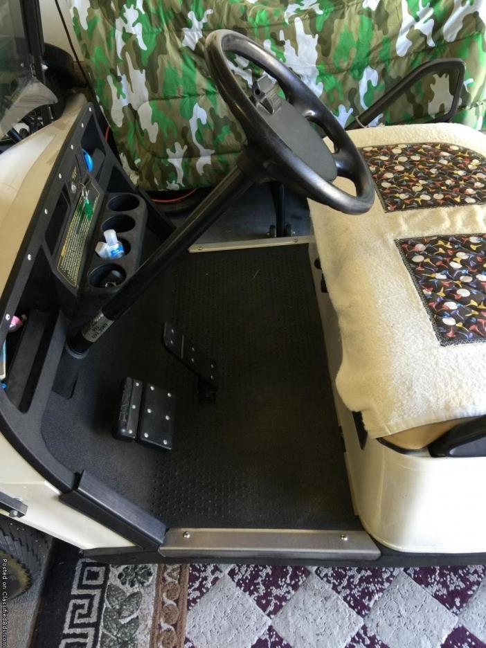 EZ Go Golf Cart 2010