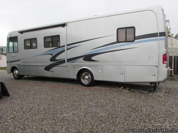 2006 Monaco Monarch SE 34SBD For Sale in Spokane Valley, Washington 99206