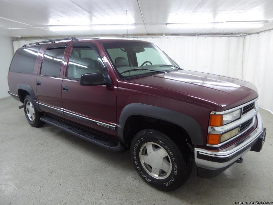 1999 Chevrolet Suburban K1500 LT