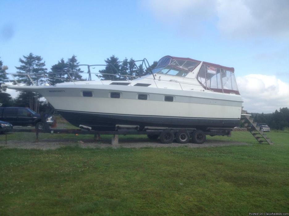33 foot Ultra-Vee Cabin Cruiser