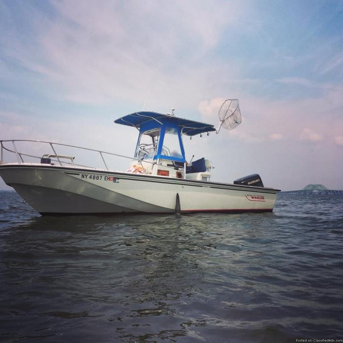 1987 22 ft. Boston Whaler
