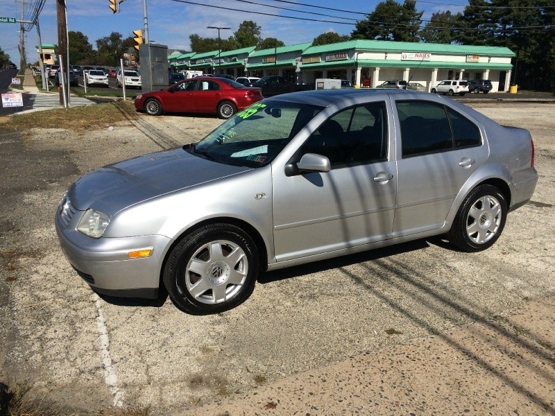 2001 Volkswagen Jetta 4dr Sdn GLX V6 Auto Tons of maintenance done!!