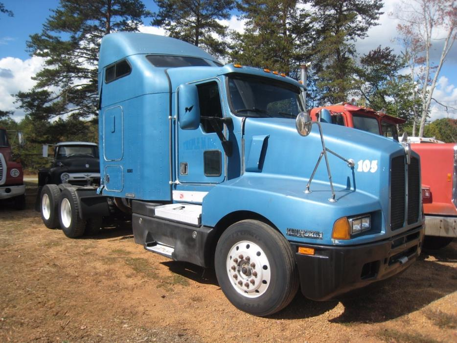 1996 Kenworth T800 Aerocab  Conventional - Sleeper Truck