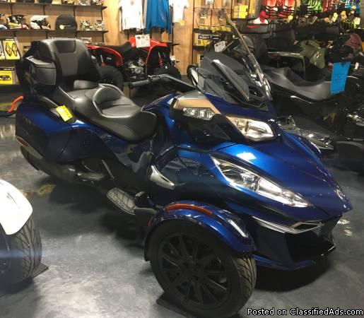 NO HIDDEN FEES! SALE PRICED! New 2016 Can-Am Spyder RT-S SE6 Motorcycle in...
